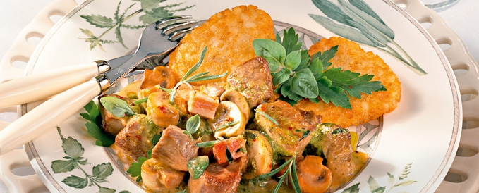 turkey-in-cream-and-mushroom-sauce-with-hash-browns